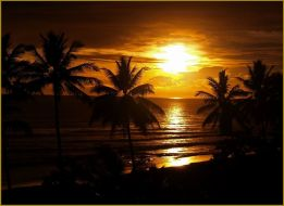 sunsets_on_Pelabuhan_Ratu_by_vertxx.jpg